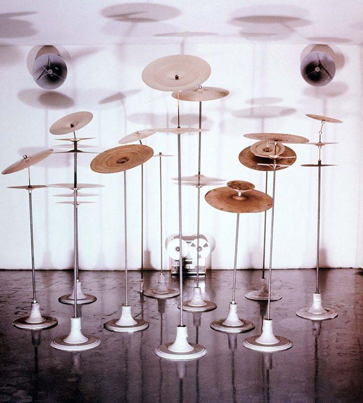 Gong - mostra dedicata all'artista marchigiano Eliseo Mattiacci