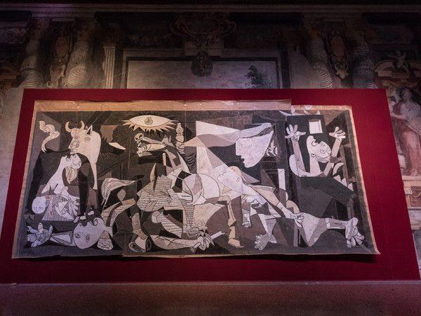 Guernica, icona di pace - Jacqueline de la Baume Dürrbach