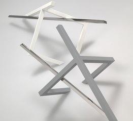 Nadia Galbiati, DIALOGO, 2012-20_ acciaio inox, ferro verniciato_installazione _dimensioni variabili
