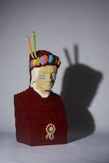 Riccardo Zangelmi, Indiante, 2019, cm 50x31x81.5, 12.000 pezzi ©lego, Ravenna, MAR Museo d'Arte della città di Ravenna