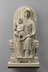 Maestro veneziano-ravennate (fine XIII sec.) Madonna in Trono con Bambino altorilievo, marmo, cm. 93. 5 x cm. 51. 5 x cm. 1. 95 Parigi, Museo del Louvre