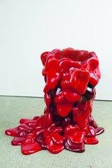 Vaso Montagna di cuori, 2020, resina poliuretanica, 39x45x16 cm. Ph Olga Antipina