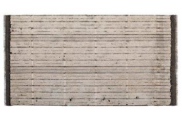 Francesca Leone, Ritratto di famiglia 3, 2019, Cemento, maglie di ferro, feltro, 145x280cm, foto Stefano D'Amadio