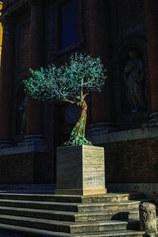 Albero della Vita: Fecunditas, 2019, bronzo, fusione a cera persa e patina a fuoco, h 270 cm + base in travertino 100x100x150 h cm - credits Giacomo Roggi
