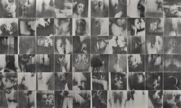 Baci rubati - Covid 19, 60 disegni, carboncino e grafite su tela, cm 300x500