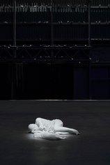 "Maurizio Cattelan. Veduta della mostra, ""Breath Ghosts Blind"", Pirelli HangarBicocca, Milano, 2021 Courtesy l'artista e Pirelli HangarBicocca, Milano Foto: Agostino Osio"