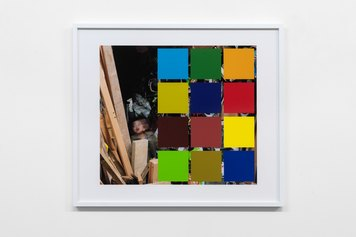 John Hilliard, August Sorts Out The Details (1), 2016, pigment print on museum board, 67×77 cm, Ed. 1/3 - Courtesy the artist and Galleria Massimo Minini