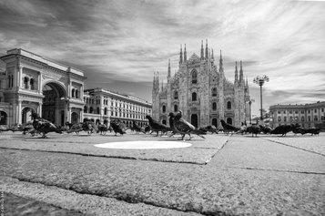 Carlo Mari. Io Milano. Aprile 2020. La città vista dai Carabinieri attraverso l'occhio di un fotografo