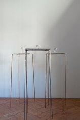 Massimo de Caria, Le tre età, 2021, bronzo, rame, ferro, vetro, acqua di lago, foto di Massimiliano Foscati, courtesy of the artist