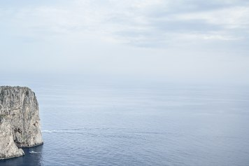 Massimo Siragusa, I faraglioni, Isola di Capri, 2015 © Massimo Siragusa