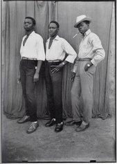 Seydou Keita, Three Boys, 1952-56, Gelatin silver print, cm 60 x 50. ©Seydou Keita Estate/Courtesy Glenda Cinquegrana Art Consulting