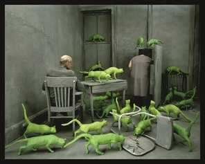 SANDY SKOGLUND, 1980 - Radioactive Cats © 1980 Sandy Skoglund