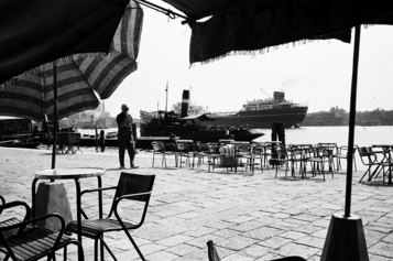 Roberto Gabetti: Venezia. Il Canal Grande ripreso dal bar, 1950