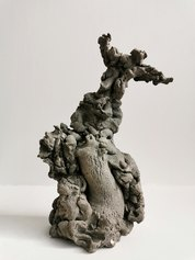 Emanuele Becheri - Stilita, 2018, terracotta, ossido di manganese, cm 27,5 x 14 x 10,5, collezione privata