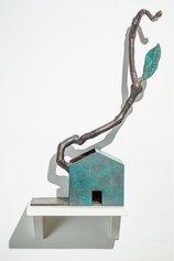 Flavio Paolucci, La forza della natura, 2020, bronzo, cm 63x30x12