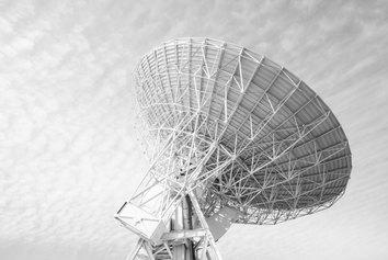 Luca Gamberini, Cosa c'è dietro le stelle, courtesy INAF-Radiotelescopi Medicina
