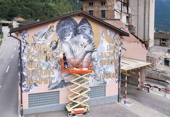 Madame all'opera su una parete del Mulino di Maroggia.