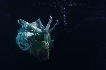 Pamela Bargnesi, Underwater, f-colori, 2012