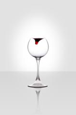 Stella Orlandino, Lacrima (serie Cin Cin unconventional glasses), vetro borosilicato, cm 23x8x8, 2011
